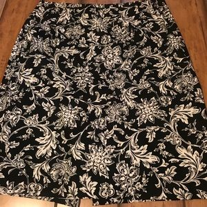 Talbots Black and White size 10 Pencil Skirt